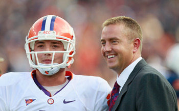 AUBURN, AL - SEPTEMBER 18:  Quarterback Kyle Parker #11 of the Clemson Tigers and ESPN commentator Kirk Herbstreit against the Auburn Tigers at Jordan-Hare Stadium on September 18, 2010 in Auburn, Alabama.  (Photo by Kevin C. Cox/Getty Images)