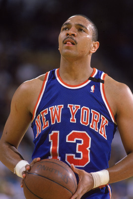 LOS ANGELES - 1989:  Mark Jackson #13 of the New York Knicks shoots a free throw during an NBA game against the Los Angeles Lakers at the Great Western Forum in Los Angeles, California in 1989.  (Photo by: Mike Powell/Getty Images)