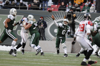 EAST RUTHERFORD, NJ - DECEMBER 20: Quarterback Mark Sanchez #6 of the New York Jets passes during an NFL game against the Atlanta Falcons at Giants Stadium on December 20, 2009 in East Rutherford, New Jersey. (Photo by Jim Luzzi/Getty Images)