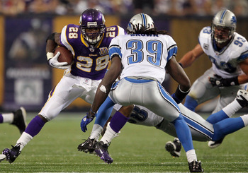MINNEAPOLIS - SEPTEMBER 26:  Adrian Peterson #28 of the Minnesota Vikings plays against the Detroit Lions during the game at Mall of America Field on September 26, 2010 in Minneapolis, Minnesota.  (Photo by Jeff Gross/Getty Images)