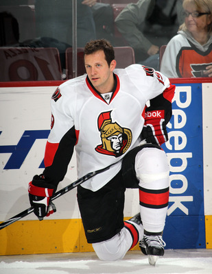 PHILADELPHIA - NOVEMBER 15:  Jason Spezza #19 of the Ottawa Senators skates against the Philadelphia Flyers at the Wells Fargo Center on November 15, 2010 in Philadelphia, Pennsylvania.  (Photo by Bruce Bennett/Getty Images)