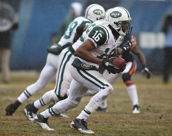 CHICAGO, IL - DECEMBER 26: Brad Smith #16 of the New York Jets runs after fielding a kick against the Chicago Bears at Soldier Field on December 26, 2010 in Chicago, Illinois. The Bears defeated the Jets 38-34. (Photo by Jonathan Daniel/Getty Images)