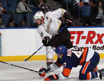 UNIONDALE, NY - DECEMBER 16:  Corey Perry #10 of the Anaheim Ducks skates against the New York Islanders at the Nassau Coliseum on December 16, 2010 in Uniondale, New York.  (Photo by Bruce Bennett/Getty Images)