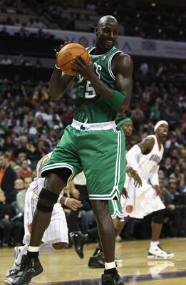 CHARLOTTE, NC - DECEMBER 11:  Kevin Garnett #5 of the Boston Celtics # of the Charlotte Bobcats during their game at Time Warner Cable Arena on December 11, 2010 in Charlotte, North Carolina. NOTE TO USER: User expressly acknowledges and agrees that, by d