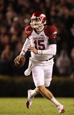 COLUMBIA, SC - NOVEMBER 06:  Ryan Mallett #15 of the Arkansas Razorbacks looks to pass against the South Carolina Gamecocks during their game at Williams-Brice Stadium on November 6, 2010 in Columbia, South Carolina.  (Photo by Streeter Lecka/Getty Images
