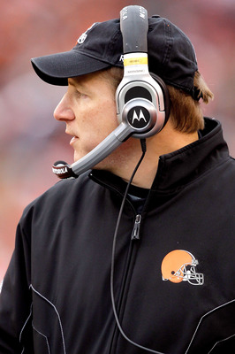 CINCINNATI, OH - DECEMBER 19:  Head coach Eric Mangini of the Cleveland Browns on the sidelines while playing the Cincinnati Bengals at Paul Brown Stadium on December 19, 2010 in Cincinnati, Ohio.  (Photo by Matthew Stockman/Getty Images)