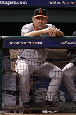 Bruce Bochy managing a World Series game.
