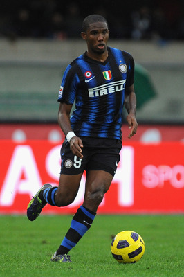 VERONA, ITALY - NOVEMBER 21:  Samuel Eto'o of FC Internazionale Milano in action during the Serie A match between AC Chievo Verona and FC Internazionale Milano at Stadio Marc' Antonio Bentegodi on November 21, 2010 in Verona, Italy.  (Photo by Valerio Pen