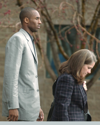 COLORADO - NOVEMBER 13:  Los Angeles Lakers basketball player Kobe Bryant and his attorney Pam Mackey leave the Eagle County Courthouse after appearing in court November 13, 2003 in Eagle, Colorado. Bryant was formally advised of the sexual assault charge