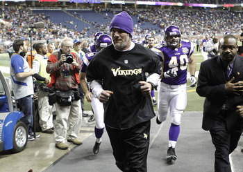 DETROIT, MI - DECEMBER 13:  Brett Favre #4 of the Minnesota Vikings runs off the field prior to playing the New York Giants at Ford Field on December 13, 2010 in Detroit, Michigan.  (Photo by Gregory Shamus/Getty Images)