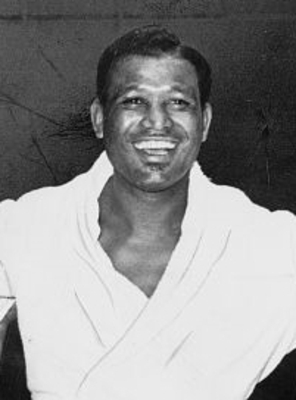 Sugar_ray_robinson_1965_cropped_display_image
