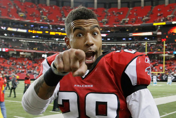 ATLANTA, GA - JANUARY 02:  Thomas DeCoud #28 of the Atlanta Falcons celebrates their 31-10 win over the Carolina Panthers at Georgia Dome on January 2, 2011 in Atlanta, Georgia.  (Photo by Kevin C. Cox/Getty Images)