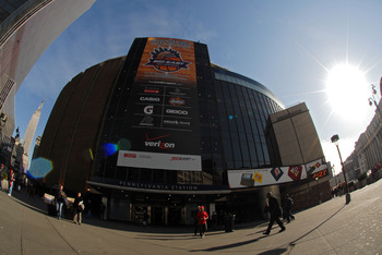 NEW YORK, NY - MARCH 13:  People walk outside of Madison Square Garden before the semifinal round of the Big East Tournament at Madison Square Garden on March 13, 2009 in New York City.  (Photo by Michael Heiman/Getty Images)