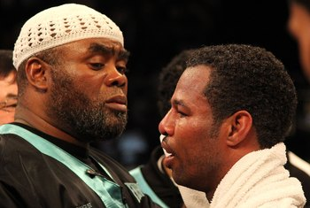 Naazim Richardson speaks good advice to Shane Mosley, but Floyd Mayweather's advice could help.