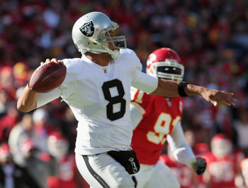 KANSAS CITY, MO - JANUARY 02:  Quarterback Jason Campbell #8 of the Oakland Raiders passes during the game against the Kansas City Chiefs on January 2, 2011 at Arrowhead Stadium in Kansas City, Missouri.  (Photo by Jamie Squire/Getty Images)