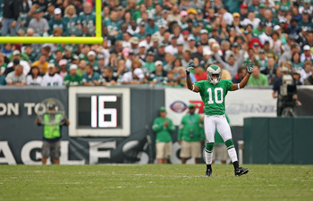 PHILADELPHIA - SEPTEMBER 12:  DeSean Jackson #10 of the Philadelphia Eagles waits for the kickoff during a game against the Green Bay Packers at Lincoln Financial Field on September 12, 2010 in Philadelphia, Pennsylvania.  (Photo by Mike Ehrmann/Getty Ima