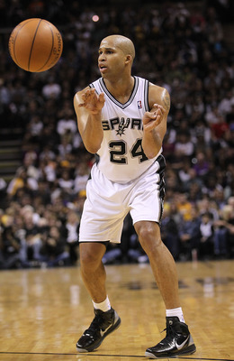 SAN ANTONIO, TX - DECEMBER 28:  Richard Jefferson #24 of the San Antonio Spurs during play against the Los Angeles Lakers at AT&T Center on December 28, 2010 in San Antonio, Texas.  NOTE TO USER: User expressly acknowledges and agrees that, by downloading