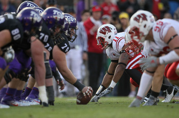 PASADENA, CA - JANUARY 01:  The TCU Horned Frogs line up against the Wisconsin Badgers during the 97th Rose Bowl game on January 1, 2011 in Pasadena, California.  (Photo by Jeff Gross/Getty Images)