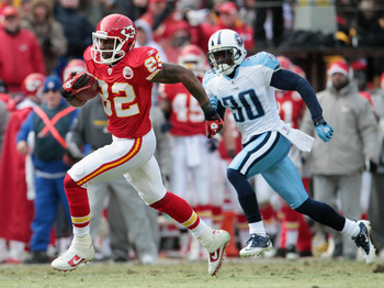 KANSAS CITY, MO - DECEMBER 26:  Receiver Dwayne Bowe #82 of the Kansas City Chiefs outruns Jason McCourty #30 of the Tennessee Titans after making a catch on a 75 yard touchdown play during the game on December 26, 2010 at Arrowhead Stadium in Kansas City
