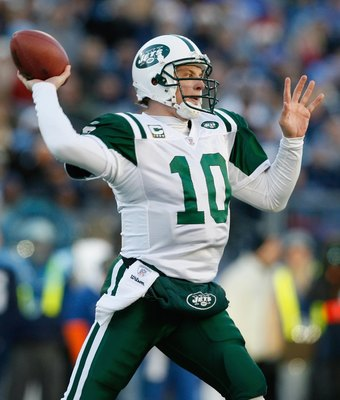 NASHVILLE, TN - DECEMBER 23:  Chad Pennington #10 of the New York Jets attempts to pass the ball against the Tennessee Titans at LP Field on December 23, 2007 in Nashville, Tennessee. (Photo by Kevin C. Cox/Getty Images)