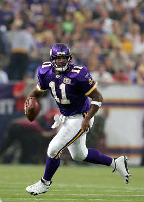 MINNEAPOLIS, MN - SEPTEMBER 11:  Quarterback Daunte Culpepper #11 of the Minnesota Vikings looks to pass against the Tampa Bay Buccaneers on September 11, 2005 at H.H.H. Metrodome in Minneapolis, Minnesota. The Bucs defeated the Vikings 24-13.  (Photo by