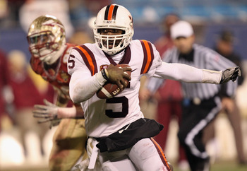 CHARLOTTE, NC - DECEMBER 04:  Tyrod Taylor #5 of the Virginia Tech Hokies runs with the ball against the Florida State Seminoles during their game at Bank of America Stadium on December 4, 2010 in Charlotte, North Carolina.  (Photo by Streeter Lecka/Getty