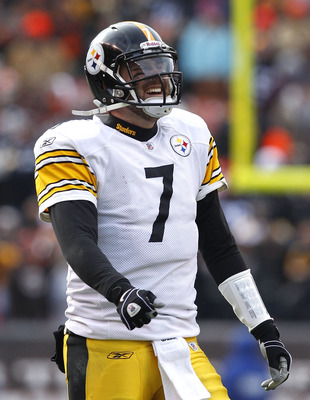 CLEVELAND, OH - JANUARY 02:  Quarterback Ben Roethlisberger #7 of the Pittsburgh Steelers smiles after their game against the Cleveland Browns at Cleveland Browns Stadium on January 2, 2011 in Cleveland, Ohio.  (Photo by Matt Sullivan/Getty Images)