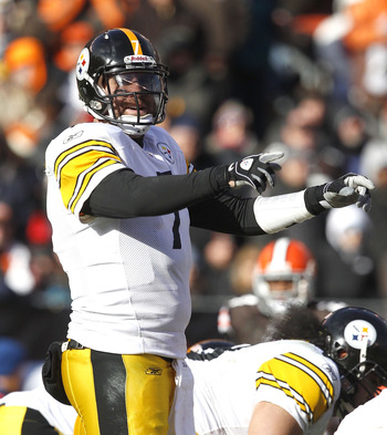 CLEVELAND, OH - JANUARY 02:  Quarterback Ben Roethlisberger #7 of the Pittsburgh Steelers calls a play against the Cleveland Browns at Cleveland Browns Stadium on January 2, 2011 in Cleveland, Ohio.  (Photo by Matt Sullivan/Getty Images)