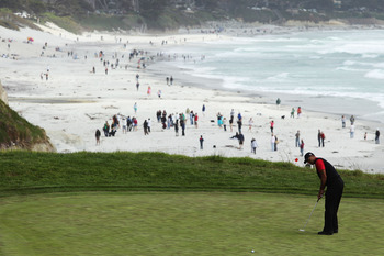 PEBBLE BEACH, CA - JUNE 20:  Tiger Woods watches a putt on the ninth green during the final round of the 110th U.S. Open at Pebble Beach Golf Links on June 20, 2010 in Pebble Beach, California.  (Photo by Donald Miralle/Getty Images)