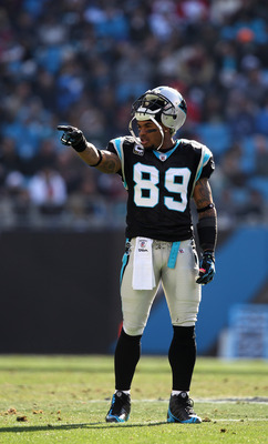 CHARLOTTE, NC - DECEMBER 19:  Steve Smith #89 of the Carolina Panthers points to the Arizona Cardinals sideline during their game at Bank of America Stadium on December 19, 2010 in Charlotte, North Carolina.  (Photo by Streeter Lecka/Getty Images)