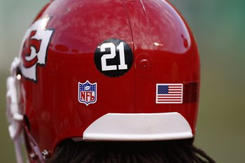 KANSAS CITY - DECEMBER 2:  A view of a Kansas City Cheifs helmet that displays Sean Taylors #21 on it during the NFL game against the San Diego Chargers at Arrowhead Stadium on December 2, 2007 in Kansas City, Missouri. (Photo by Jamie Squire/Getty Images