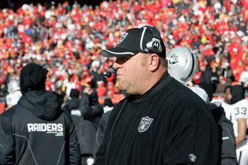 010211-raidersatchiefs24--nfl_medium_540_360_display_image