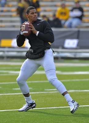 IOWA CITY, IA - NOVEMBER 20:  Quarterback Terrell Pryor #2 of the Ohio State Buckeyes warms up before the taking on the University of Iowa Hawkeyes at Kinnick Stadium on November 20, 2010 in Iowa City, Iowa. Ohio won 20-17 over Iowa. (Photo by David Purdy