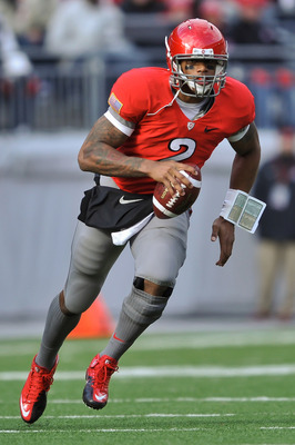 COLUMBUS, OH - NOVEMBER 27:  Quarterback Terrelle Pryor #2 of the Ohio State Buckeyes runs with the ball against the Michigan Wolverines at Ohio Stadium on November 27, 2010 in Columbus, Ohio.  (Photo by Jamie Sabau/Getty Images)