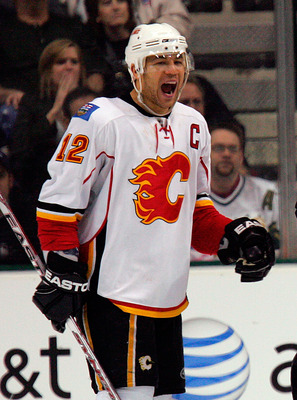 DALLAS - FEBRUARY 20:  Right wing Jarome Iginla #12 of the Calgary Flames celebrates his game winning goal against the Dallas Stars at the American Airlines Center on February 20, 2008 in Dallas, Texas.  (Photo by Ronald Martinez/Getty Images)
