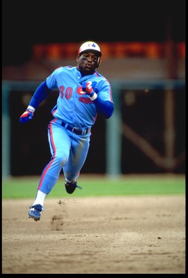 1990:  MONTREAL EXPOS OUTFIELDER TIM RAINES ROUNDS SECOND BASE DURING THE EXPOS VERSUS SAN FRANCISCO GIANTS GAME AT CANDLESTICK PARK IN SAN FRANCISCO, CALIFORNIA.