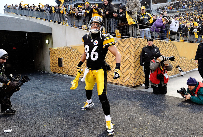 PITTSBURGH, PA - DECEMBER 19:  Hines Ward #86 of the Pittsburgh Steelers enters the stadium before the game against the New York Jets at Heinz Field on December 19, 2010 in Pittsburgh, Pennsylvania.  (Photo by Karl Walter/Getty Images)