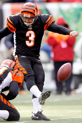 CINCINNATI, OH - DECEMBER 19: Clint Stitser #3 of the Cincinnati Bengals kicks a field goal against the Cleveland Browns at Paul Brown Stadium on December 19, 2010 in Cincinnati, Ohio.  (Photo by Matthew Stockman/Getty Images)