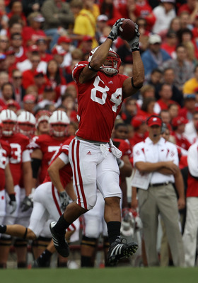 MADISON, WI - SEPTEMBER 18: Lance Kendricks #84 of the Wisconsin Badgers catches a pass against the Arizona State Sun Devils at Camp Randall Stadium on September 18, 2010 in Madison, Wisconsin. Wisconsin defeated Arizona State 20-19. (Photo by Jonathan Da