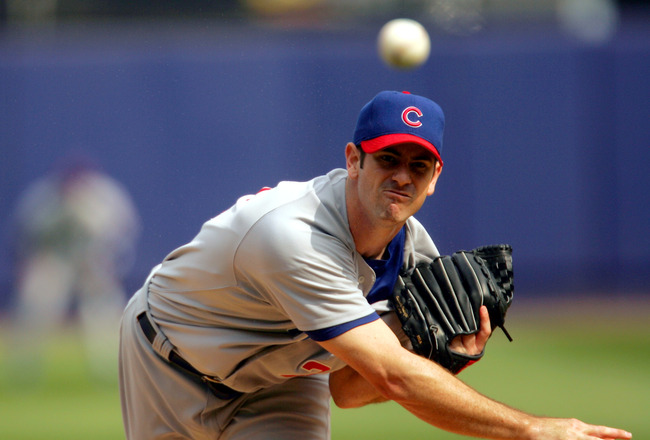 FLUSHING, NY- SEPTEMBER 25: Mark Prior #22 of the Chicago Cubs pitches against the New York Mets on September 25, 2004 at Shea Stadium in Flushing, New York. The Mets defeated the Cubs 4-3 in the 11th inning. (Photo by Chris Trotman/Getty Images)