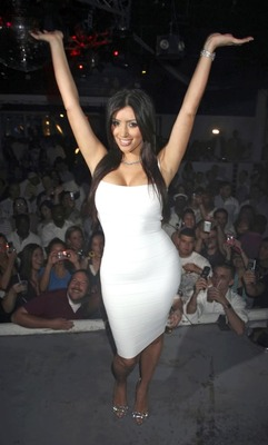 Kim-kardashian-ass-white-08_display_image