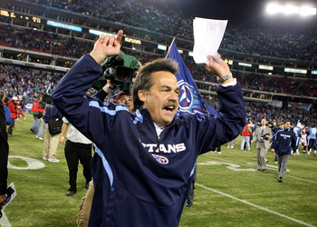 NASHVILLE, TN - NOVEMBER 29:   Head coach Jeff Fisher of the Tennessee Titans celebrates after a 20-17 victory over the Arizona Cardinals during their game at LP Field on November 29, 2009 in Nashville, Tennessee.  (Photo by Streeter Lecka/Getty Images)