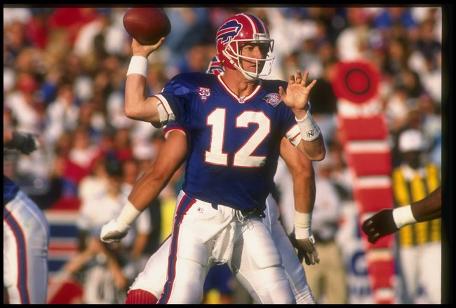 4 Sep 1994:  Quarterback Jim Kelly of the Buffalo Bills looks to pass the ball during a game against the New York Jets at Rich Stadium in Orchard Park, New York.  The Jets won the game, 23-3. Mandatory Credit: Rick Stewart  /Allsport