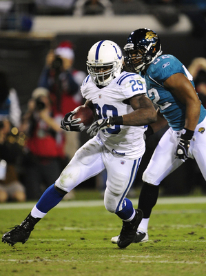 JACKSONVILLE, FL - DECEMBER 17:  Joseph Addai #29 of the Indianapolis Colts runs the ball against the Jacksonville Jaguars at Jacksonville Municipal Stadium on December 17, 2009 in Jacksonville, Florida.  (Photo by Sam Greenwood/Getty Images)