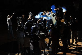 SAN ANTONIO - APRIL 18: The Dallas Mavericks huddle before play against the San Antonio Spurs in Game One of the Western Conference Quarterfinals during the 2009 NBA Playoffs at AT&T Center on April 18, 2009 in San Antonio, Texas. NOTE TO USER: User expre
