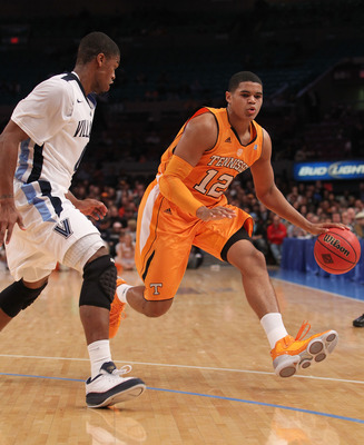 NEW YORK - NOVEMBER 26: Tobias Harris #12 of the Tennessee Volunteers dribbles the ball against the Villanova Wildcats  during the Championship game at Madison Square Garden on November 26, 2010 in New York City.  (Photo by Nick Laham/Getty Images)