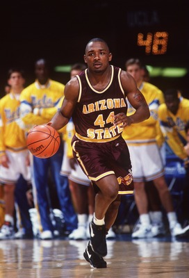 22 JAN 1994:  ARIZONA STATE GUARD STEVIN SMITH DRIBBLES THE BALL UP COURT DURING THEIR GAME AGAINST UCLA AT PAULEY PAVILLION IN LOS ANGELES, CALIFORNIA.   Mandatory Credit: J.D. Cuban/ALLSPORT