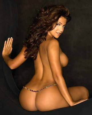 Vida-guerra-nude_display_image