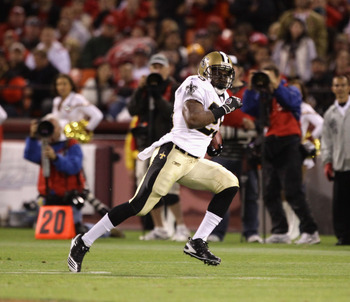SAN FRANCISCO - SEPTEMBER 20:  Reggie Bush #25 of the New Orleans Saints in action during their game against the San Francisco 49ers at Candlestick Park on September 20, 2010 in San Francisco, California.  (Photo by Ezra Shaw/Getty Images)