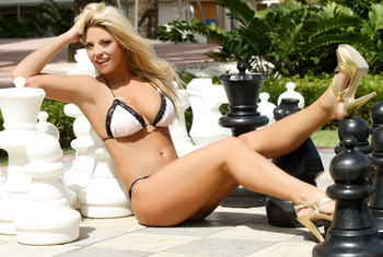 Wwe_tiffany-bikini_display_image